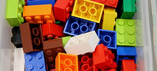 Econ_Lego